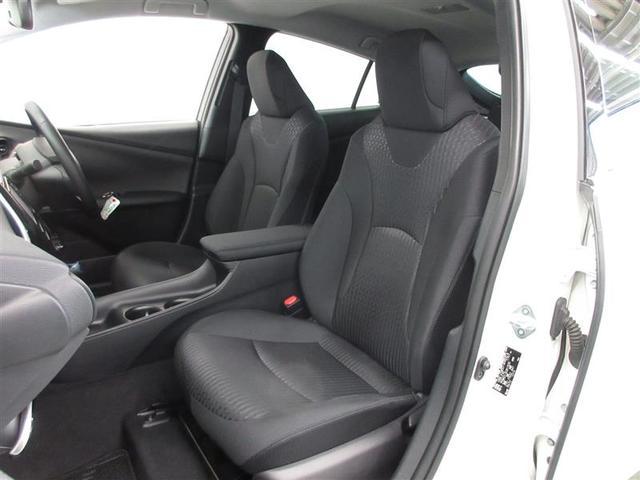 運転席は6ウェイ、助手席は4ウェイの調整が可能です。