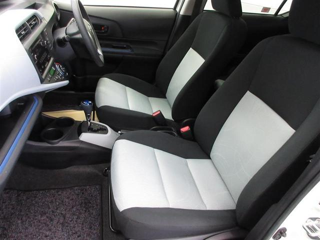 座面が高く、シートバックを高くしたゆったりサイズのシートを採用。乗り心地も快適です。