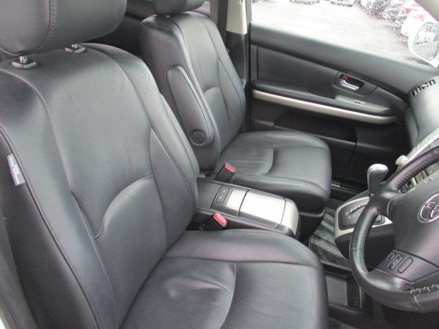 プレミアムSパッケージ 4WD 18インチアルミ ナビ(9枚目)