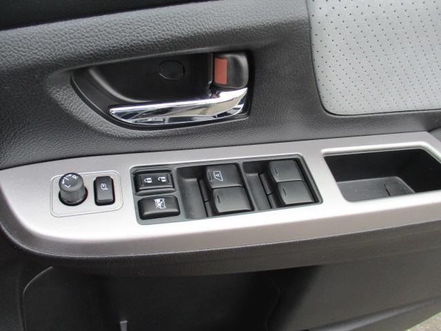 2.0i-L アイサイト 4WD ナビ バックカメラ ETC 衝突軽減 スマートキー HID オートライト パワーシート(29枚目)