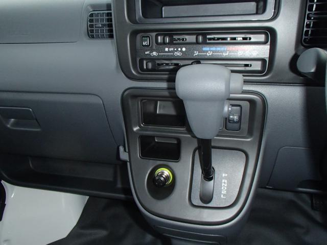 スペシャル 4WD 4AT エアコン パワステ ラジオ(4枚目)