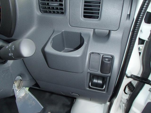 スペシャル 4WD 4AT エアコン パワステ ラジオ(11枚目)