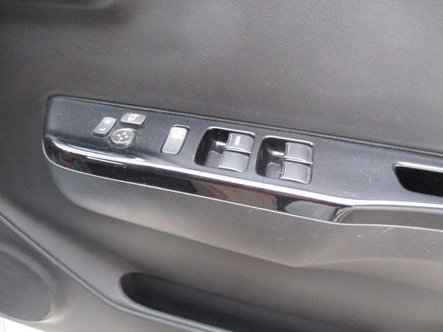 ベースグレード 4WD パドルシフト SDナビ フルセグTV(16枚目)