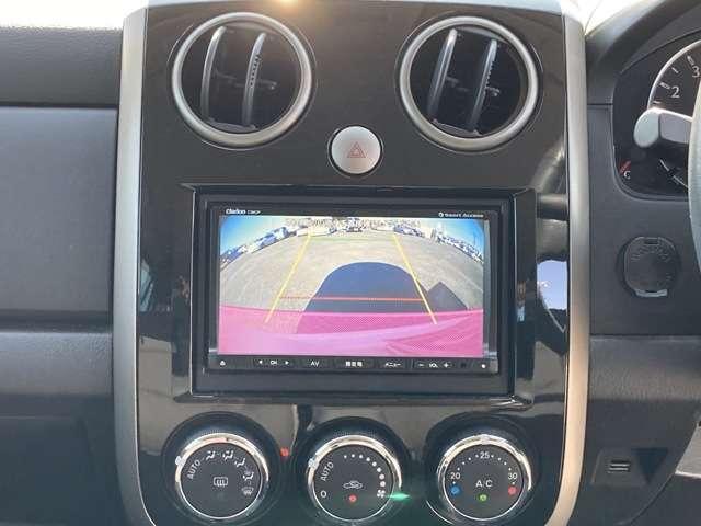 カーナビ、バックカメラ付きで運転も安心です。