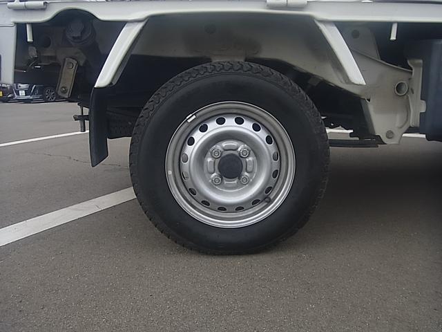 スペシャル 4WD MT ラジオ パワステ(18枚目)