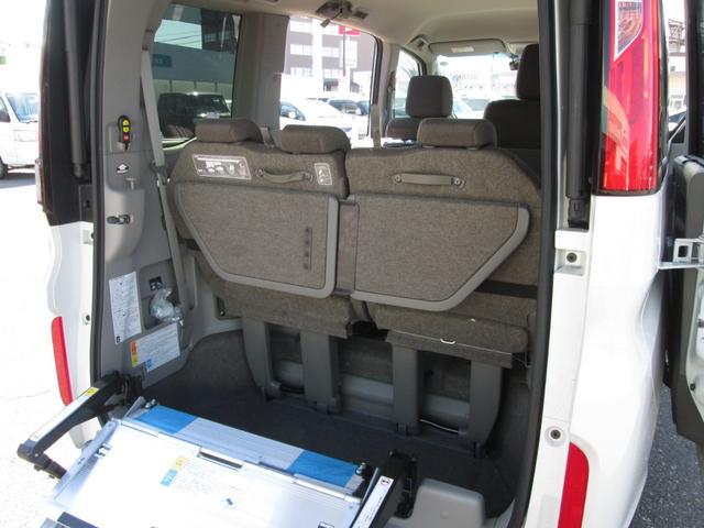 車椅子仕様GホンダS 4WD 2列目乗車 7人乗 純Mナビ(13枚目)