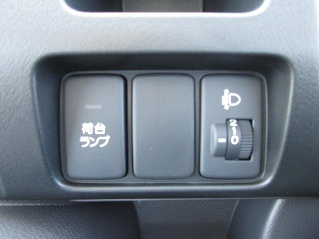 SDX 4WD 5速MT 時計付AMFM エアコン パワステ(6枚目)