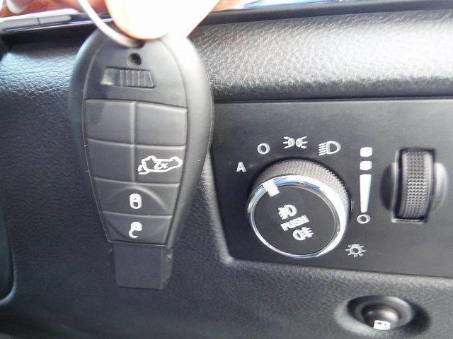 クライスラー・ジープ クライスラージープ グランドチェロキー オーバーランド4WD純正HDDツインナビ地デジパノラマルーフ
