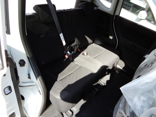 ハイブリッドMV 4WD 登録済み未使用車 レーダーブレーキ(9枚目)