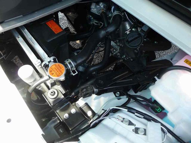 ダイハツ ハイゼットトラック スタンダード4WD 5速MT エアコンパワステ 届出済未使用