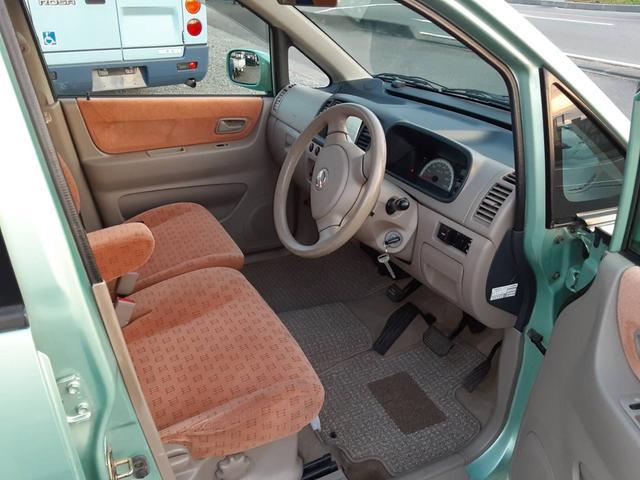C 4WD ナビ フルセグTV キーレスキー コラムオートマ Wエアバッグ シートヒーター(5枚目)