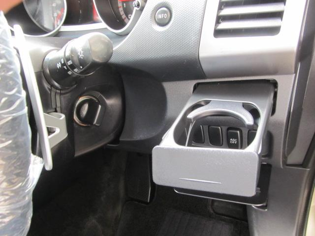 2.4G 4WD 7人乗り ナビ バックカメラ(10枚目)