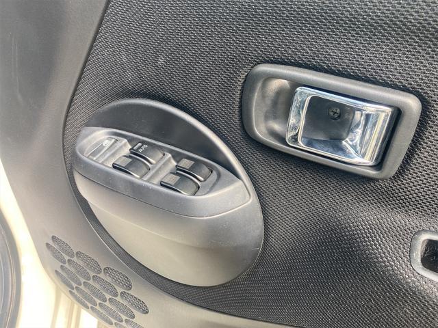 カスタムL 4WD ターボ 5速MT CD キーレスエントリー 電動格納ミラー アルミホイール エアコン パワーステアリング パワーウィンドウ 運転席エアバッグ(3枚目)
