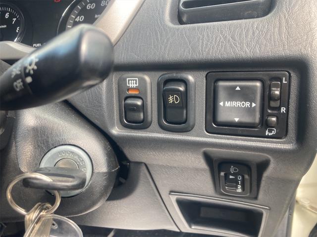 カスタムL 4WD ターボ 5速MT CD キーレスエントリー 電動格納ミラー アルミホイール エアコン パワーステアリング パワーウィンドウ 運転席エアバッグ(4枚目)