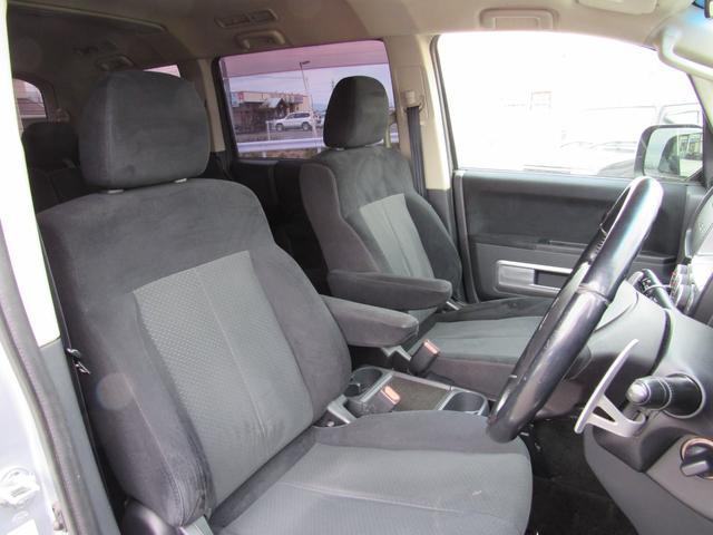 G ナビパッケージ 4WD フリップダウンモニター(11枚目)