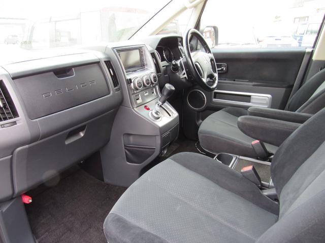 G ナビパッケージ 4WD フリップダウンモニター(12枚目)
