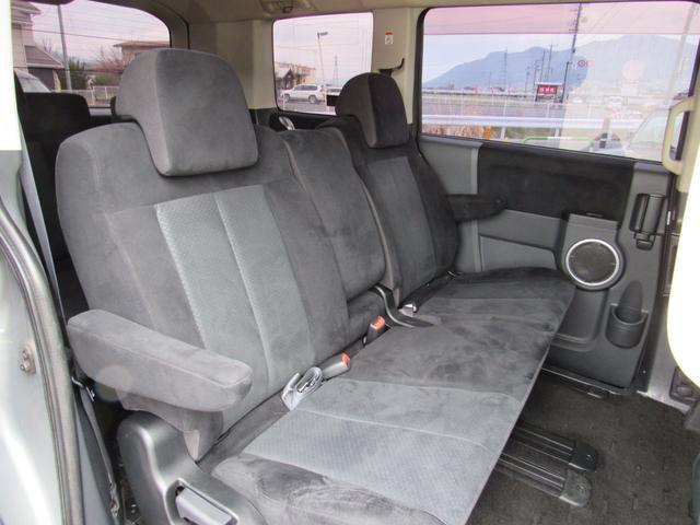 G ナビパッケージ 4WD フリップダウンモニター(14枚目)