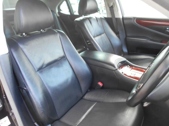 LS600h バージョンU 4WD 黒革 マルチ(11枚目)