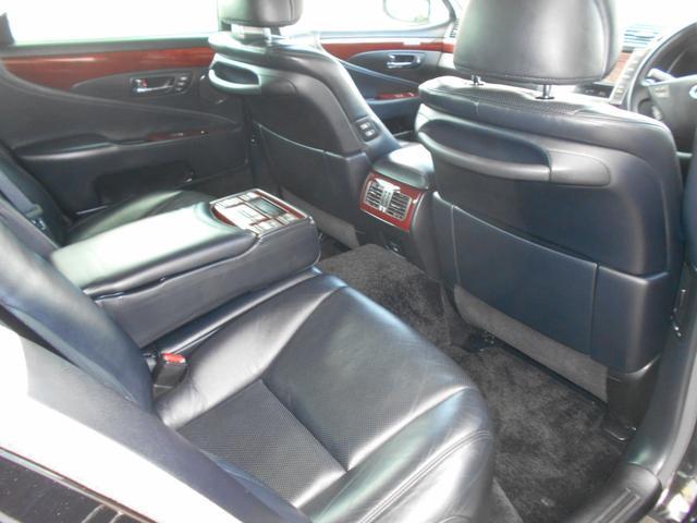 LS600h バージョンU 4WD 黒革 マルチ(12枚目)
