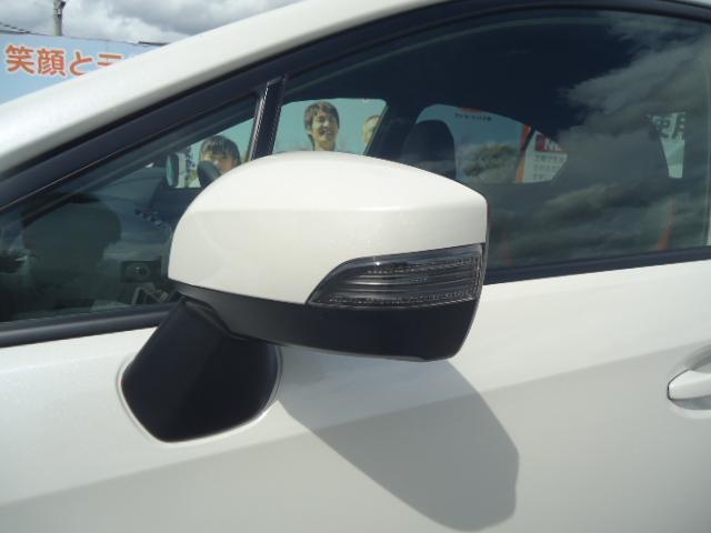 STI タイプS 4WD ワンオーナー ハーフレザーシート(5枚目)