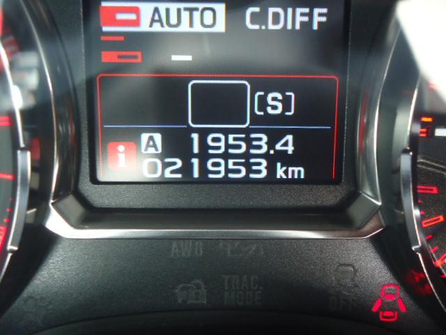 STI タイプS 4WD ワンオーナー ハーフレザーシート(10枚目)