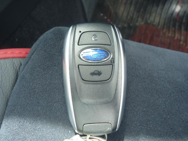 STI タイプS 4WD ワンオーナー ハーフレザーシート(17枚目)