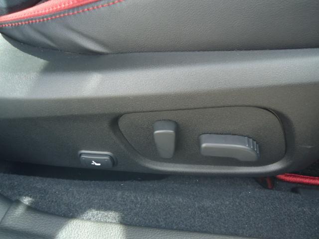 STI タイプS 4WD ワンオーナー ハーフレザーシート(20枚目)