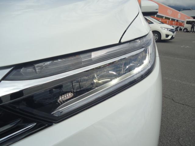 ハイブリッドX 4WD 純正ナビ LEDヘッドライト(3枚目)