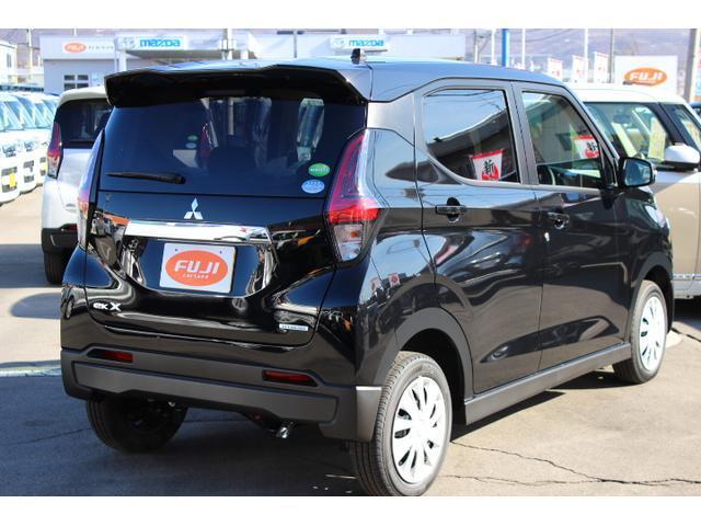 M 届出済未使用車 4WD ハイブリッド LEDヘッドライト アイドリングストップ スマートキー 衝突被害軽減ブレーキクリアランスソナー ステアリングオーディオコントロール シートヒーター(8枚目)