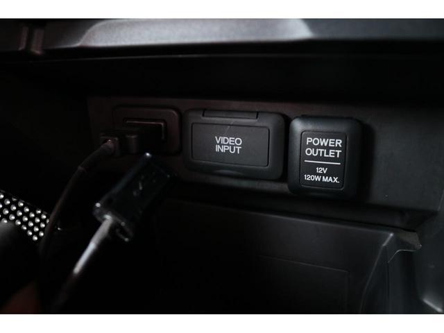 機能が凝縮された気分の上がる運転席です。