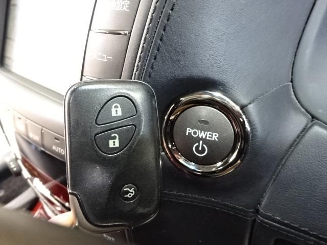 LS600hL後席セパレートシートPKG 4WD 本革 SR(5枚目)