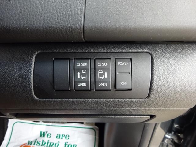 23S 4WD ナビ後横カメラTV 両側電動ドア ETC(4枚目)