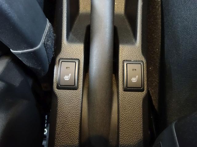 ■ 装備5 ■ 運転席、助手席シートヒーター