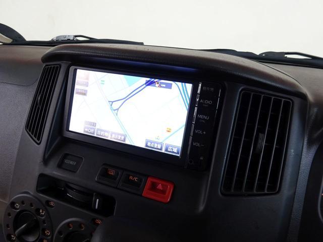 GL フルタイム4WD センターロックモード ワンオーナー 純正ナビ バックカメラ TV キーレス クリアランスセンサー リアヒーター リアフォグ プライバシーガラス ETC車載器 バイザーマット付き(2枚目)