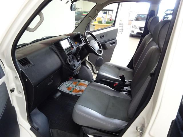 GL フルタイム4WD センターロックモード ワンオーナー 純正ナビ バックカメラ TV キーレス クリアランスセンサー リアヒーター リアフォグ プライバシーガラス ETC車載器 バイザーマット付き(12枚目)