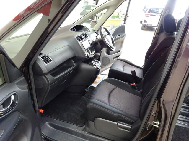 ■ 助手席 ■ 助手席です。車内オゾンクリーニング、ボディ研磨&コーティング等各種オプション作業も可能です。