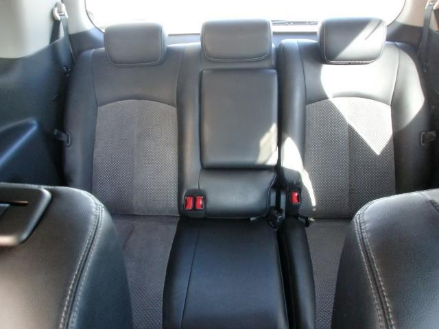 日産 エルグランド ライダー社外ナビ/リアフリップダウンモニター 黒シート4WD