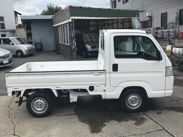4WD 5速マニュアル 軽トラック ホワイト パワステ(3枚目)