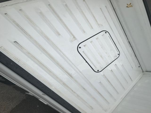 4WD 5速マニュアル 軽トラック ホワイト パワステ(6枚目)