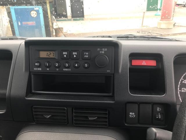4WD 5速マニュアル 軽トラック ホワイト パワステ(11枚目)