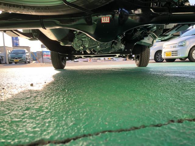長く乗られるのであれば特別な防錆処理も承っております。下廻り専用のブースを設けておりますので、お客様のお車1台1台を丁寧に施工いたします。自信をもってオススメしている商品です。(詳しくは店頭で)