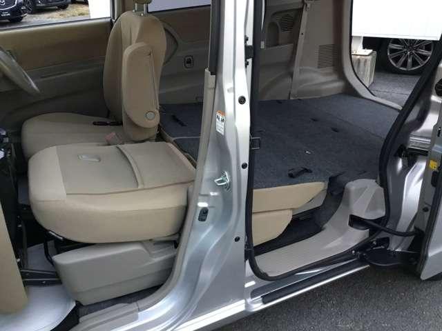 660 TS 4WD 左電動スライドドア ベージュ内装(13枚目)