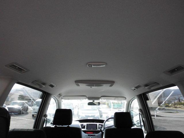 Z 4WD 8人乗り ナビ HIDヘッドライト 電格ミラー(12枚目)