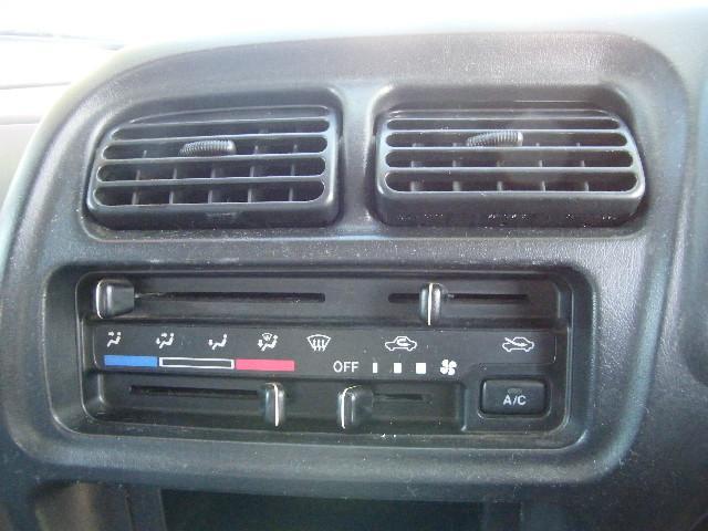 スズキ エブリイ 4WD オートマ キーレスエントリーシステム CD SRS
