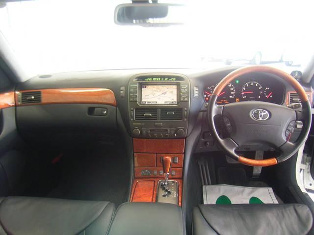 トヨタ セルシオ C仕様 インテリアセレクション 新品19インチAW・タイヤ