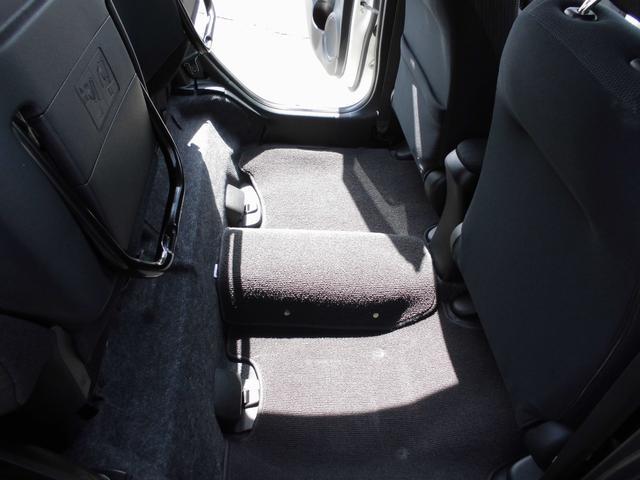 RS ワンセグナビ・ビルトインETC・熱線フロントガラス・クルーズコントロール・パドルシフト・HIDオートライト・フォグランプ・横滑り防止・革巻ステアリング・革巻シフト・アルミカバーペダル・16インチアルミ(38枚目)