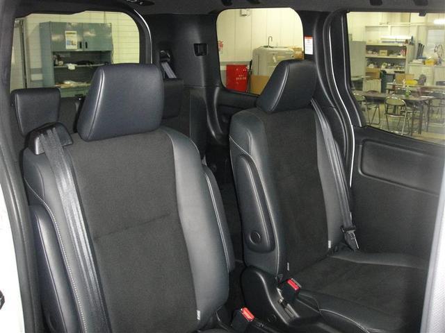 Si 4WD ナビ バックカメラ 両側パワースライドドア オートエアコン フルセグ 後席モニター 衝突被害軽減システム 乗車定員7人(16枚目)