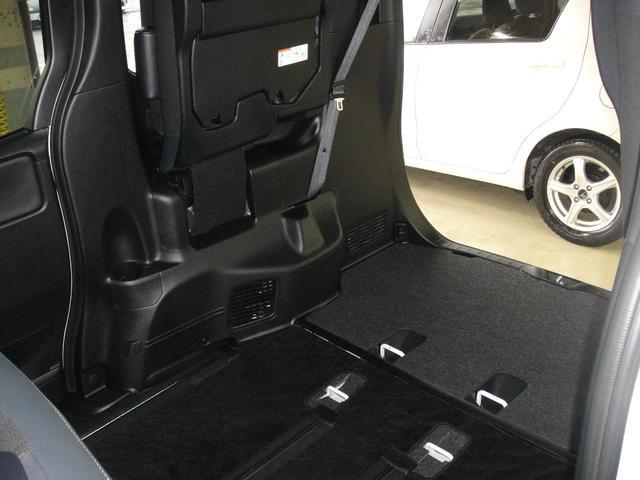 Si 4WD ナビ バックカメラ 両側パワースライドドア オートエアコン フルセグ 後席モニター 衝突被害軽減システム 乗車定員7人(55枚目)