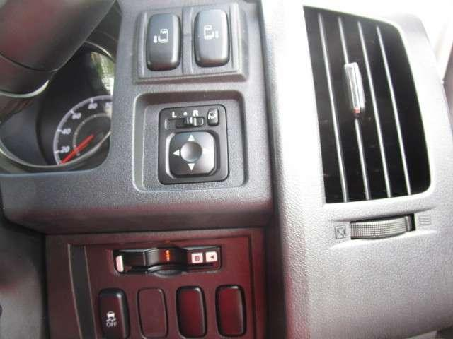 2.2 D パワーpkg ディーゼルターボ 4WD 9インチ(12枚目)