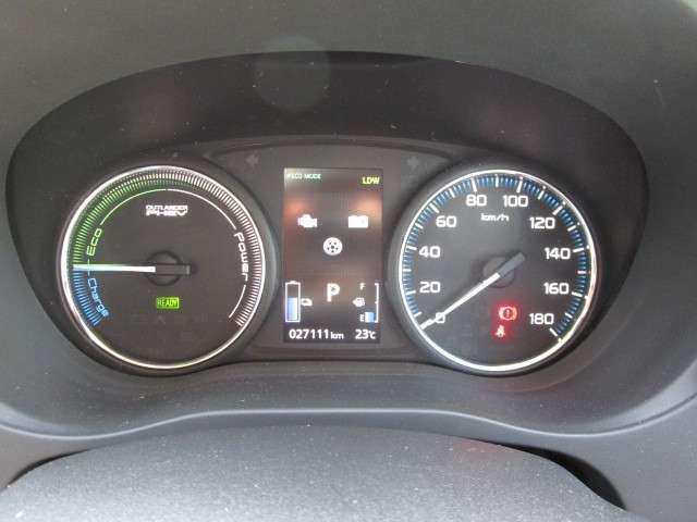 2.0G プレミアムパッケージ 4WD 電気温水ヒーター装備(8枚目)